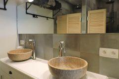 wastafel-en-regendouches-badkamer-scaled