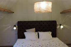 bed 180x200 op kamer 3
